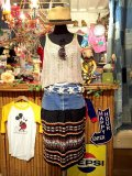 「SOLリメイク」 Levi'sリメイク  グァテマラ刺繍スカート W30 (ブラック)