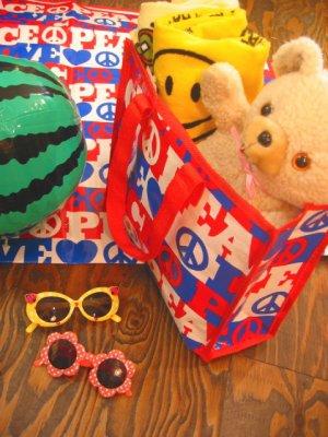 画像1: ★★★SALE★★★ LOVE&PEACE レジャーシート&BAG (レッド×ブルー)
